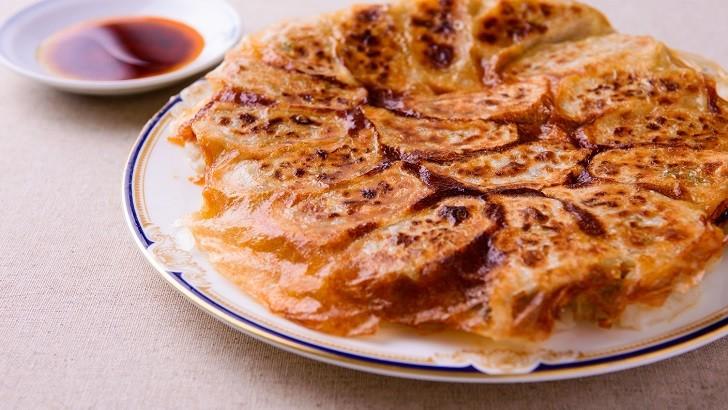 「羽根つき餃子」いつものフライパンで綺麗に美味しく!「ほんと!羽根ができた」感動の生徒さん続出です。